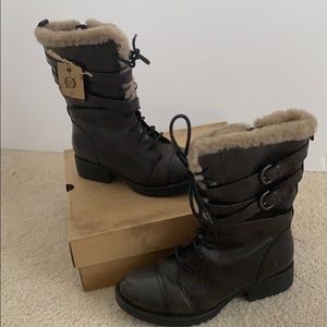 Cozy and Brand New Born shearling lined boots